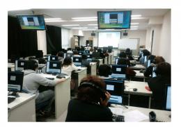 CALL教室での授業風景